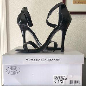 Steve Madden black patent leather sandals